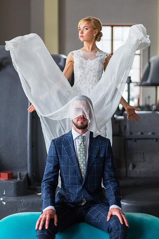 vestuvių nuotrauka, dirbtinės išraiškos, muziejus, krentanti suknelė