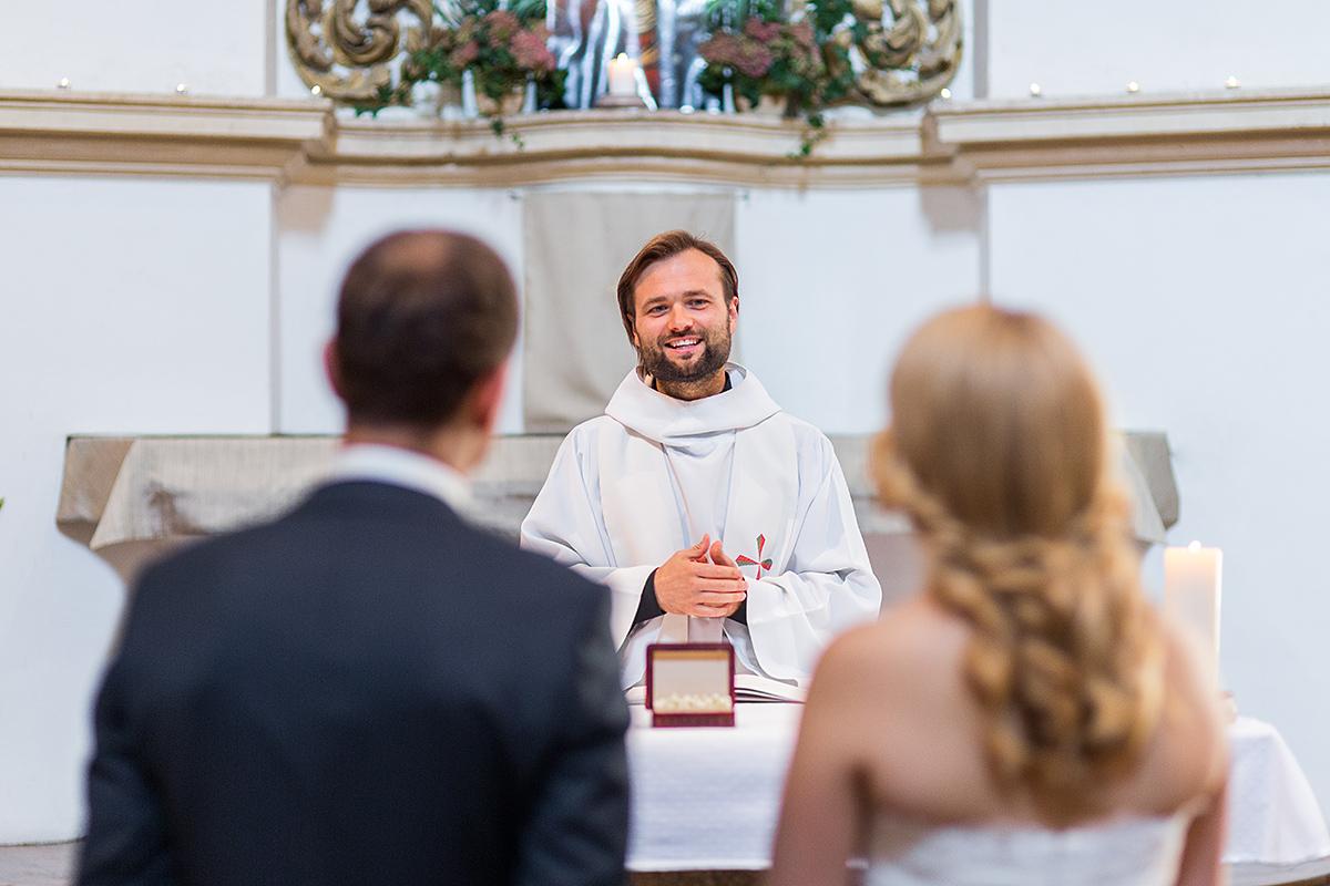 vestuvių ceremonija, kunigas, tuoktuvių ceremonija, vestuvės bažnyčioje