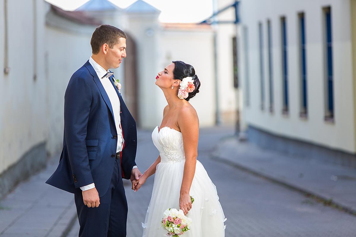 bučinys, vilnius, senamiestis, gatvė, gera nuotaika, vestuvių fotografas vilniuje
