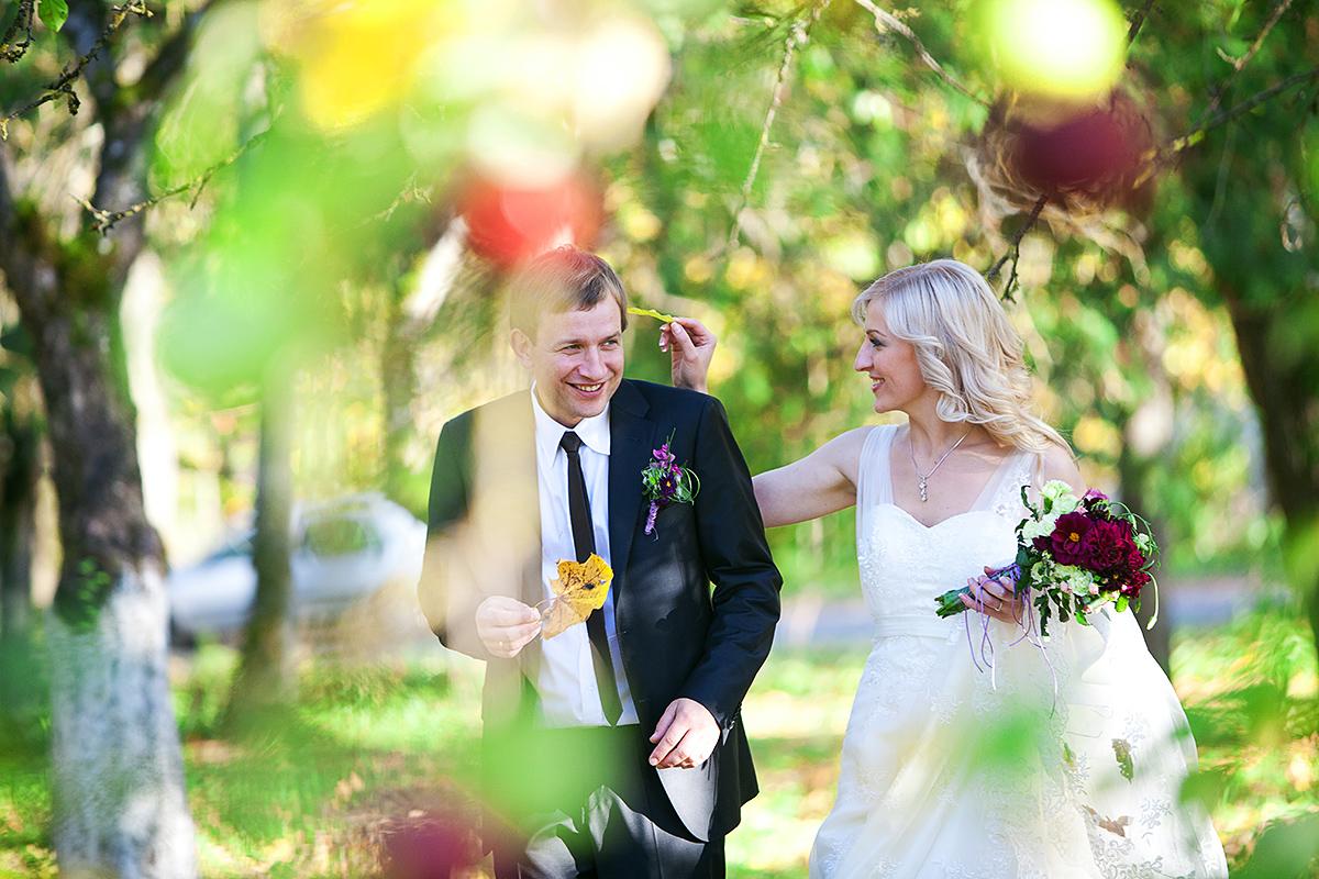 ruduo, lapai, obuoliai, šypsenos, vestuvėse rudenį