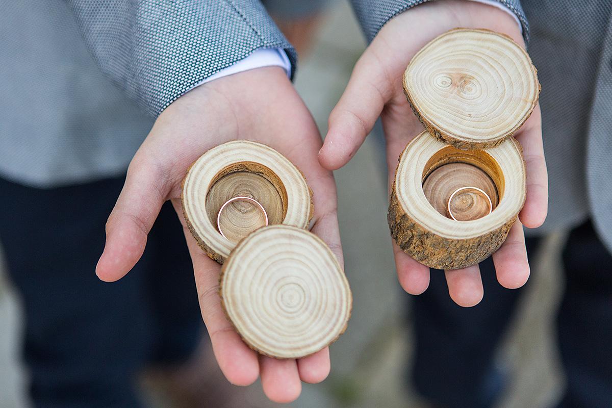 žiedai, vestuviniai žiedai, medinės dėžutės, jaunųjų žiedai, žiedų berniukai