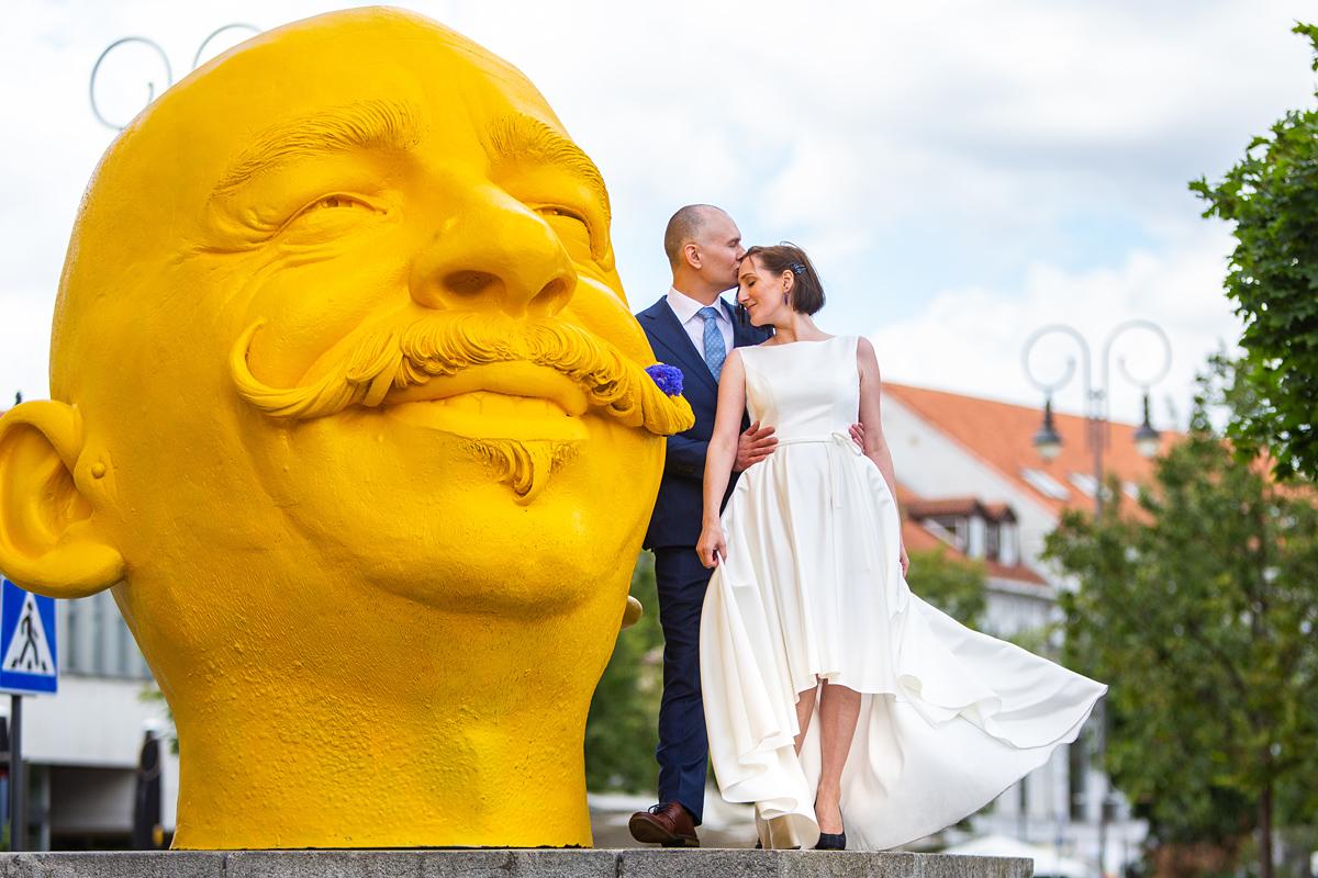 geltonas dėdė, Vilnius, vestuvių kadras, senamiestis, menas, crazy